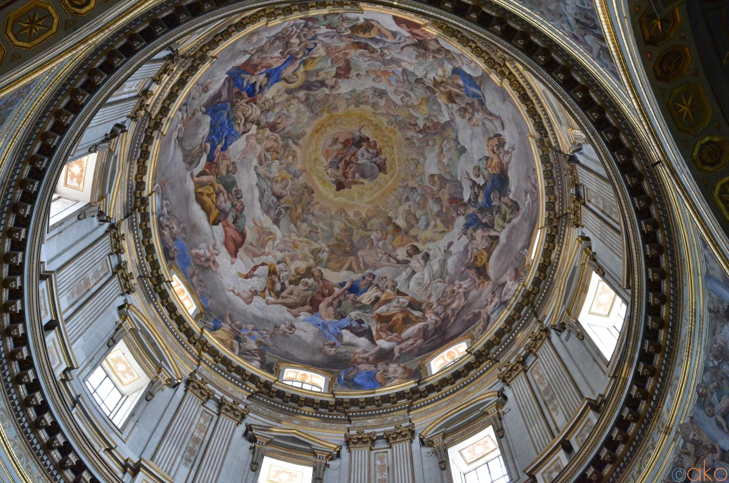 心も身体も癒されるホリスティック空間「ナポリ大聖堂」の魅力   イタリア観光ガイド