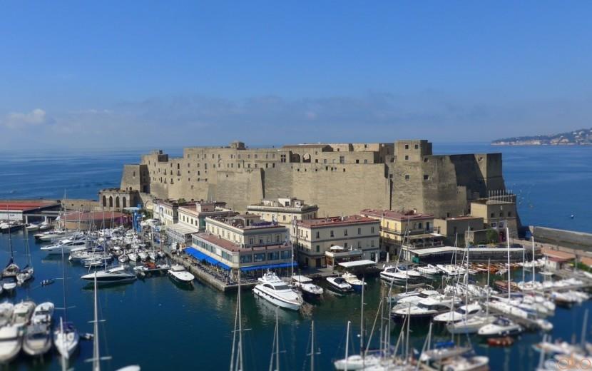 ナポリでいちばん古いお城「卵城」の魅力とは?一挙ご紹介! | イタリア観光ガイド