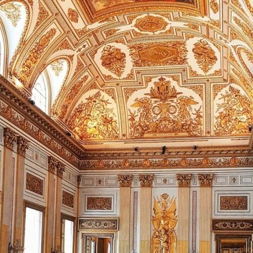 大きすぎて唖然…!ナポリ郊外「カゼルタ宮殿」ってどんなトコ? | イタリア観光ガイド