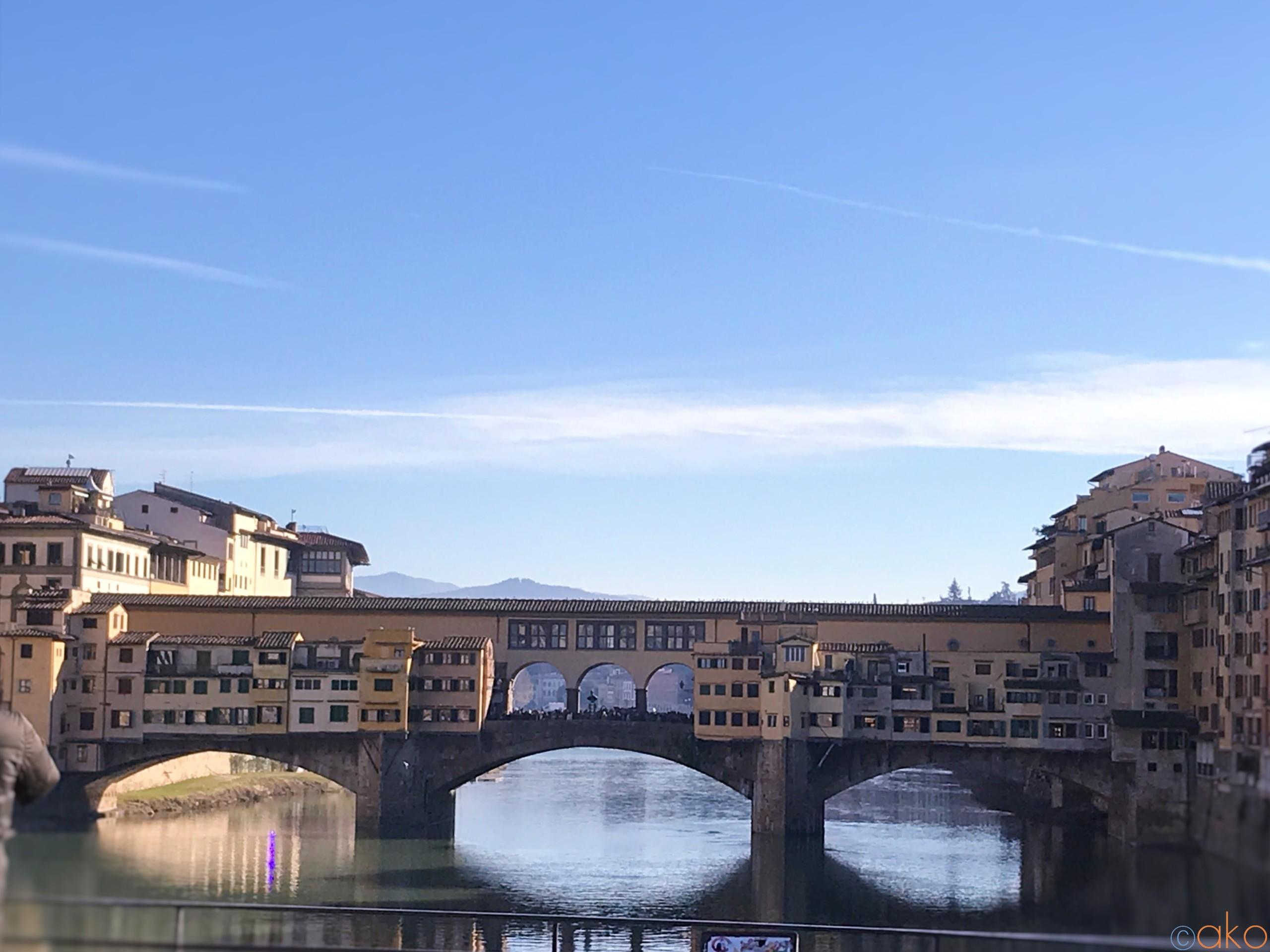 フィレンツェの街に華を添える明橋「ヴェッキオ橋」堪能ガイド♡ | イタリア観光ガイド