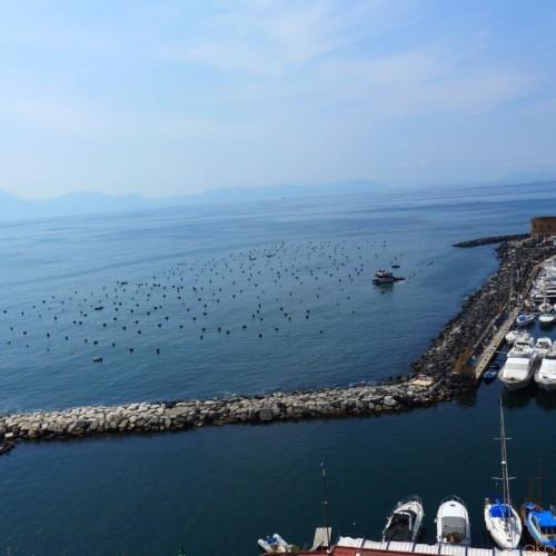 ナポリいちロマンチック!「サンタ・ルチア」見逃せないポイントとは | イタリア観光ガイド