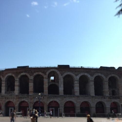 悠久の時間を紡ぎだす「アレーナ・ディ・ヴェローナ」の魅力 | イタリア観光ガイド