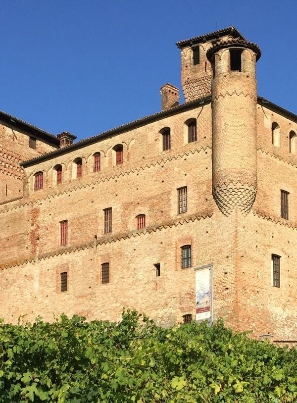 イタリアワインの聖地「グリンツァーネ・カヴール城」の魅力 | イタリア観光ガイド