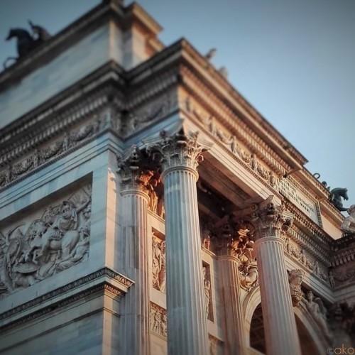 見れば見るほど個性的!ミラノ「平和の門」をご紹介します★ | イタリア観光ガイド