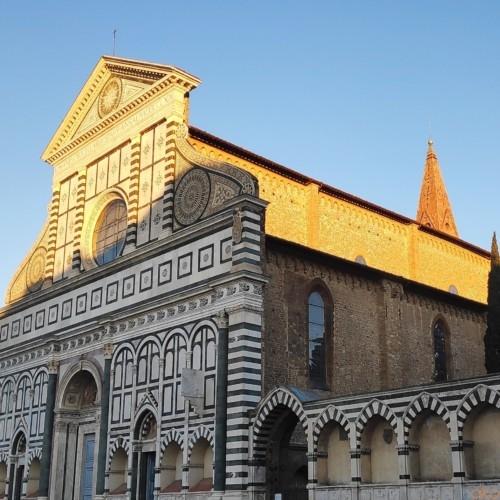 薬局だけじゃない!フィレンツェ・サンタ・マリア・ノヴェッラの魅力 | イタリア観光ガイド