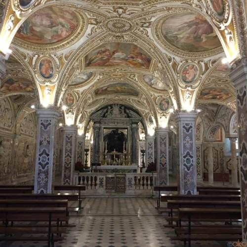 歩くたびに表情が七変化! サレルノのドゥオーモの魅力に迫ります!| イタリア観光ガイド
