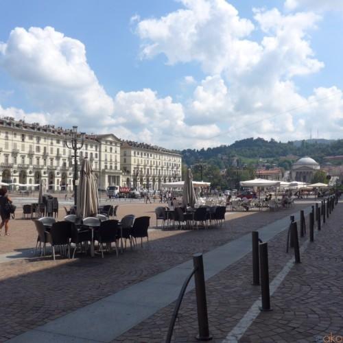 イタリア最大級!トリノ、ヴィットリオ・ヴェネト広場| イタリア観光ガイド