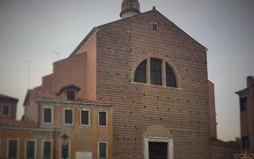 感動必至の天井画!ヴェネツィア、サン・パンタロン教会|イタリア観光ガイド