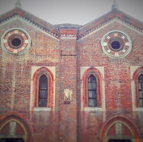 お家みたいな双子教会!ミラノ、サンタ・マリア・インコロナータ教会|イタリア観光ガイド