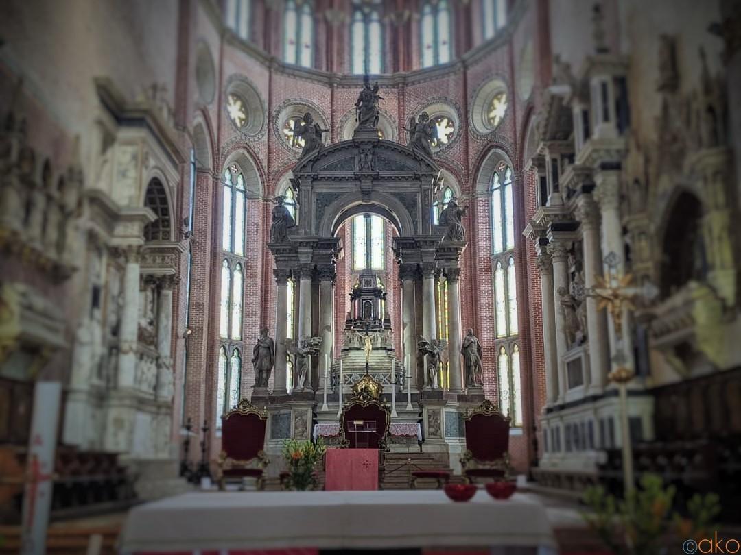 ヴェネツィア、サンティ・ジョヴァンニ・エ・パオロ聖堂の魅力  イタリア観光ガイド