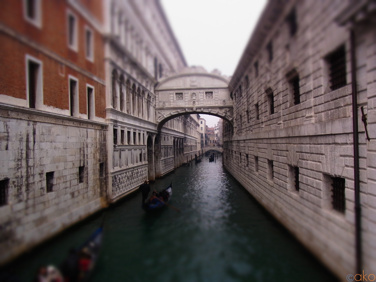 哀愁を纏った美しい姿、ヴェネツィアのため息橋| イタリア観光ガイド