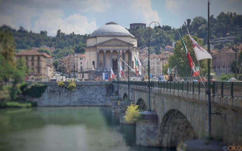 絶対的美の境地!トリノ、グラン・マードレ・ディ・ディオ教会|イタリア観光ガイド