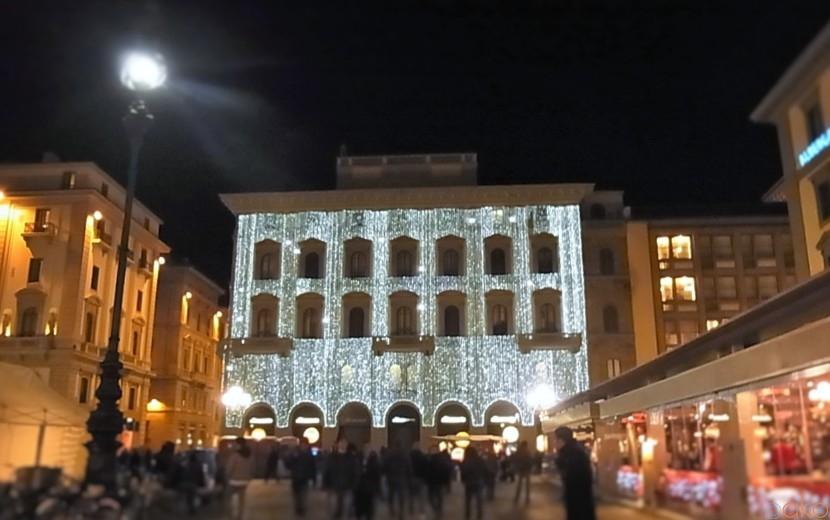 変わらない場所変わり続ける景色、フィレンツェ、共和国広場|イタリア観光ガイド