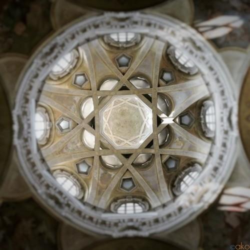 王宮の横に建つ高貴な教会、トリノ、サン・ロレンツォ教会|イタリア観光ガイド