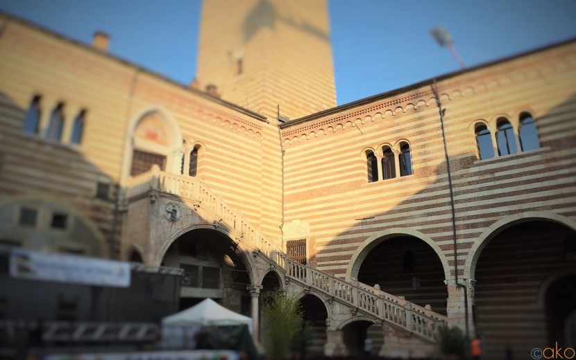 ヴェローナの癒しの中庭、ラジョーネ宮でひとやすみ♪|イタリア観光ガイド
