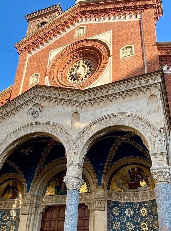 色合い最高スギ★ミラノ、サン・エウフェミア教会|イタリア観光ガイド