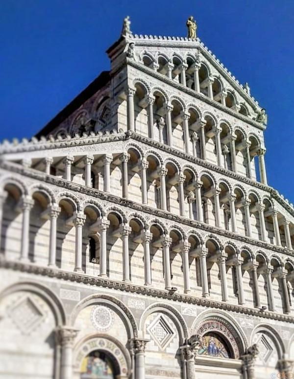 「ピサの斜塔」は脇役!?真のヒロイン、ピサ大聖堂|イタリア観光ガイド