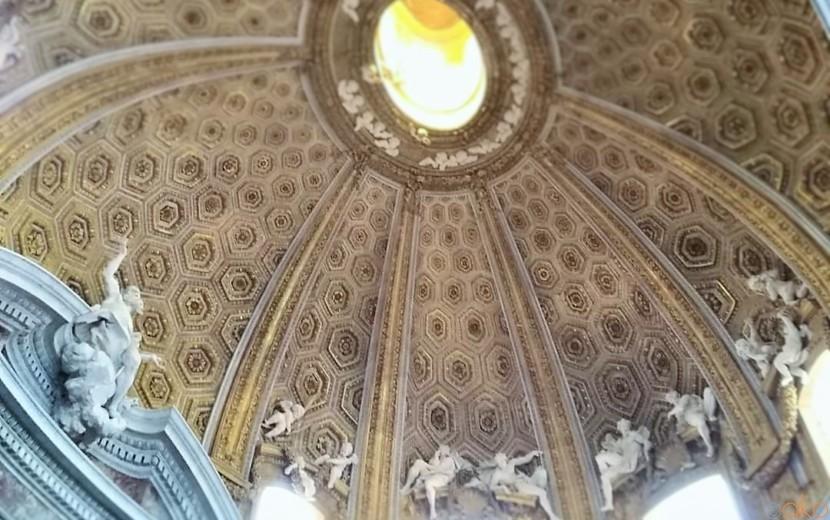 ベルニーニの美。ローマ、サンタンドレア・アル・クイリナーレ教会|イタリア観光ガイド