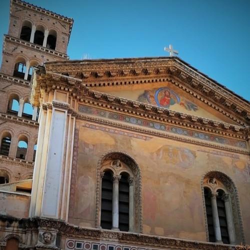 ローマ最古のモザイク画、サンタ・プデンツィアーナ聖堂|イタリア観光ガイド