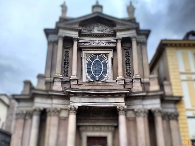 トリノのアーティストの美の競演!サン・カルロ・ボッロメーオ教会|イタリア観光ガイド