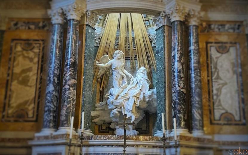芸術の棲み処、ローマ、サンタ・マリア・デッラ・ヴィットーリア教会|イタリア観光ガイド