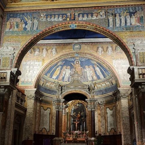 モザイク画の海に浸る旅!ローマ、サンタ・プラッセーデ聖堂|イタリア観光ガイド