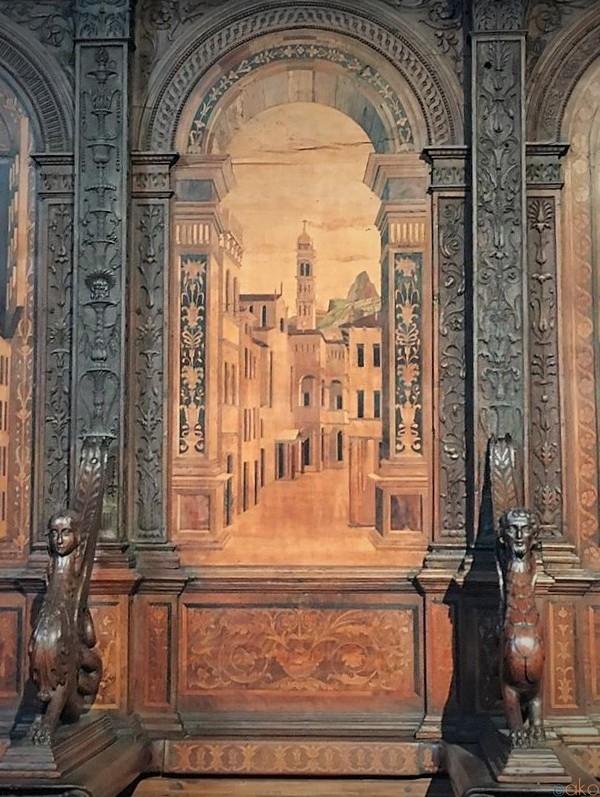 寄木画が美しい、ヴェローナ、サンタ・マリア・イン・オルガノ教会|イタリア観光ガイド