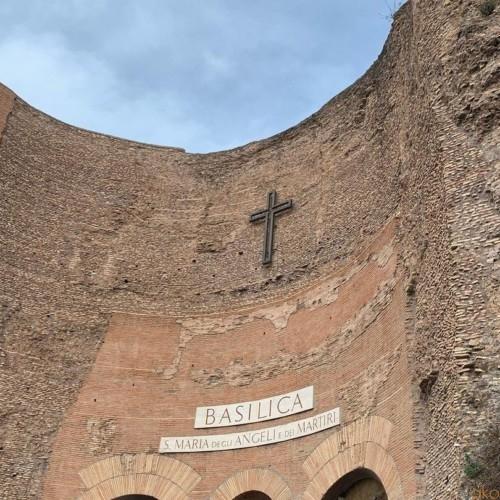 ローマ、サンタ・マリア・デランジェリ・エ・デイ・マルティーリ聖堂|イタリア観光ガイド