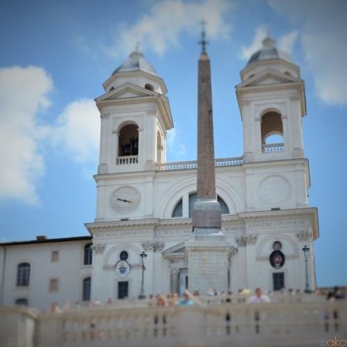 行ったことある?ローマ、トリニタ・デイ・モンティ教会|イタリア観光ガイド