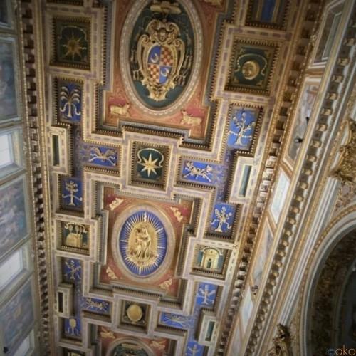 今日に通じる祈りの場。ローマ、サン・マルチェロ・アル・コルソ教会|イタリア観光ガイド