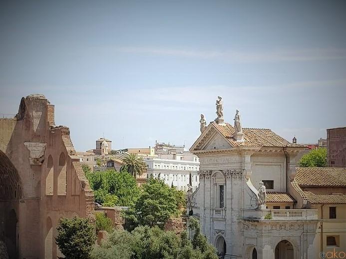 ローマの隠れ家、サンタ・フランチェスカ・ロマーナ聖堂|イタリア観光ガイド