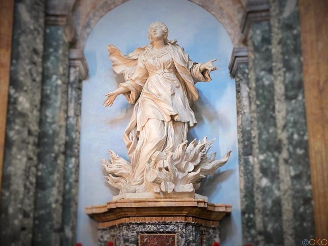 ナヴォーナ広場の蝶!ローマ、サンタニェーゼ・イン・アゴーネ教会|イタリア観光ガイド