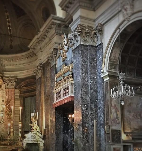 聖母の井戸に会いに…ローマ、サンタ・マリア・イン・ヴィア教会|イタリア観光ガイド