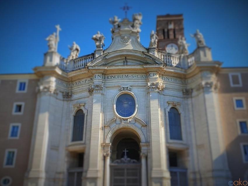 ローマの七大聖堂、サンタ・クローチェ・イン・ジェルサレンメ聖堂|イタリア観光ガイド
