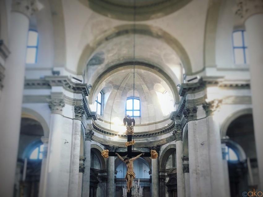 運河沿いの絶景!ヴェネツィア、サン・ジェレミア教会|イタリア観光ガイド
