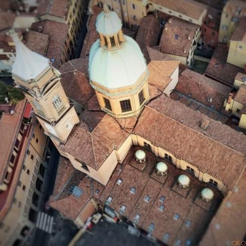 斜塔のすぐ横!ボローニャ、聖バルトロメオ教会に行ってみて!|イタリア観光ガイド