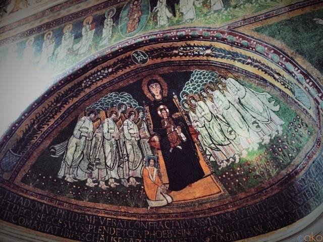 丘の上に小舟!?ローマ、サンタ・マリア・イン・ドムニカ教会|イタリア観光ガイド
