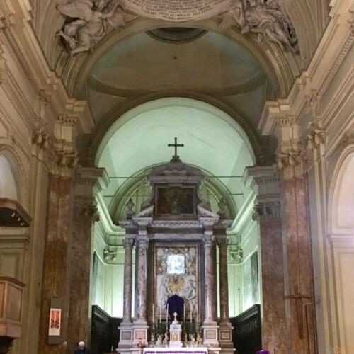 宮殿と見せかけて教会!ローマ、聖エウゼービオ教会|イタリア観光ガイド