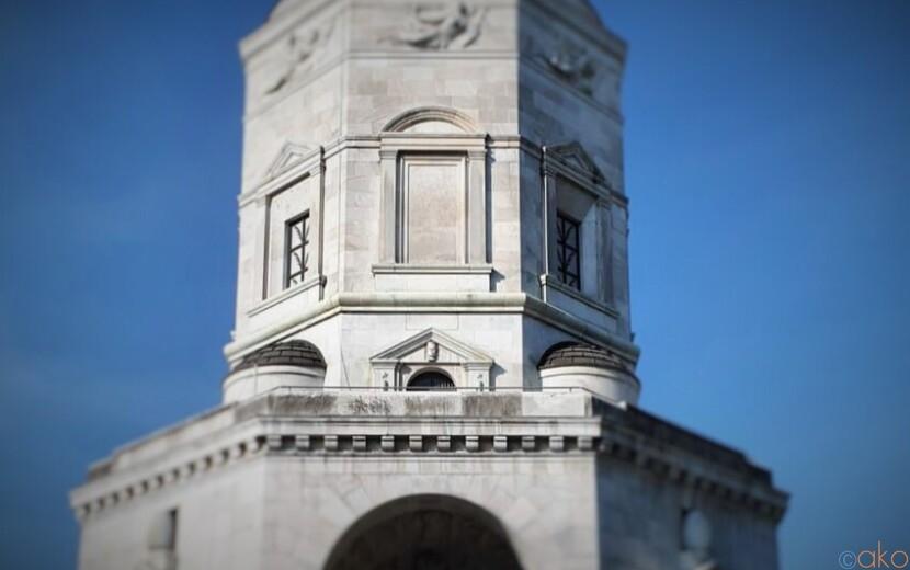 兵どもが夢の跡。ミラノ、ヴィットリア広場(勝利の神殿)|イタリア観光ガイド