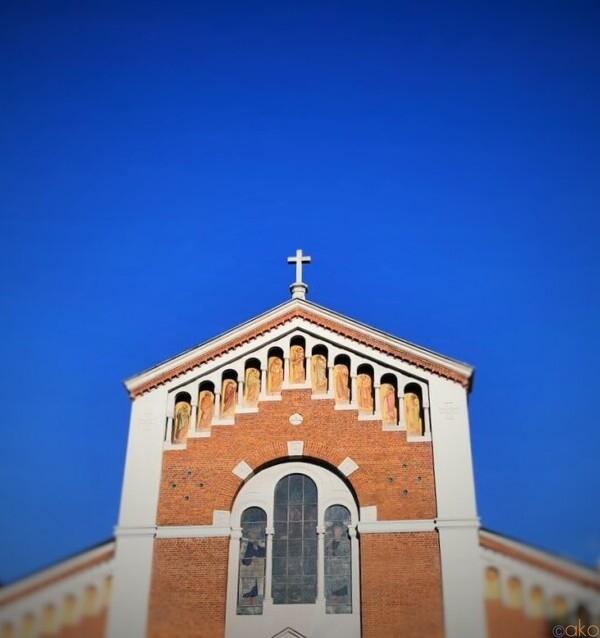 夜景も是非見て欲しい!ミラノ、サン・ピエトロ・イン・サーラ教会|イタリア観光ガイド