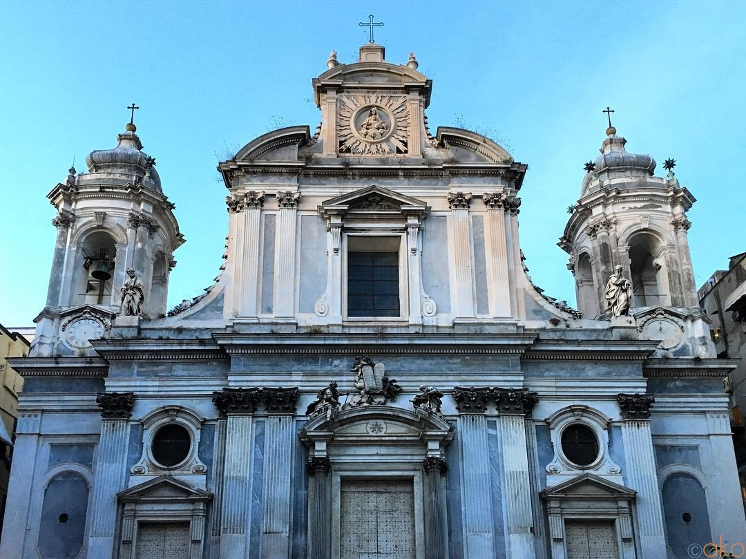 修復してさらにパワーアップ!ナポリ、ジロラミーニ教会|イタリア観光ガイド
