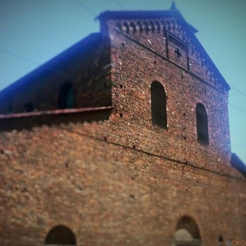 変わらぬ外観。ミラノ、サン・ヴィンチェンツォ・イン・プラート教会|イタリア観光ガイド
