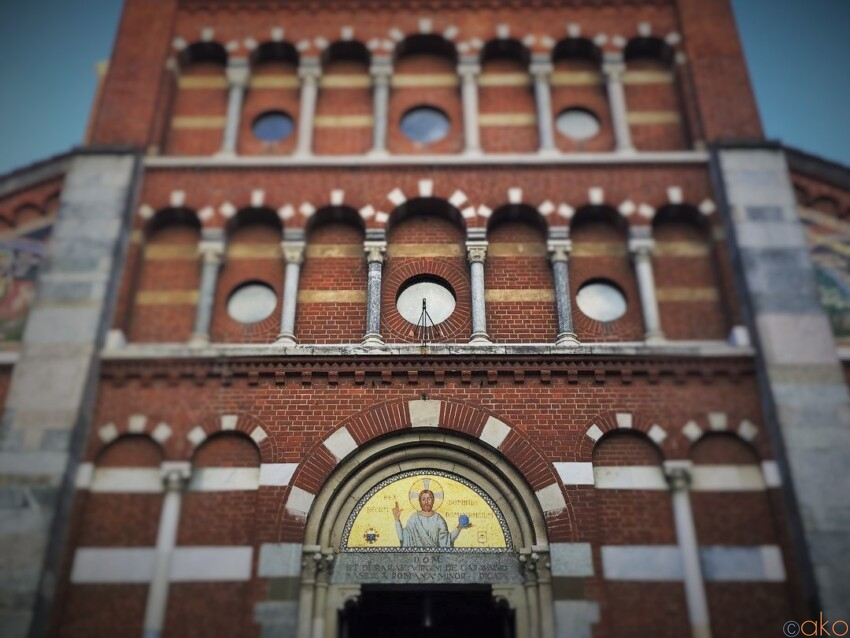 センス抜群!ミラノ、サンタ・マリア・ディ・カラヴァッジョ教会|イタリア観光ガイド