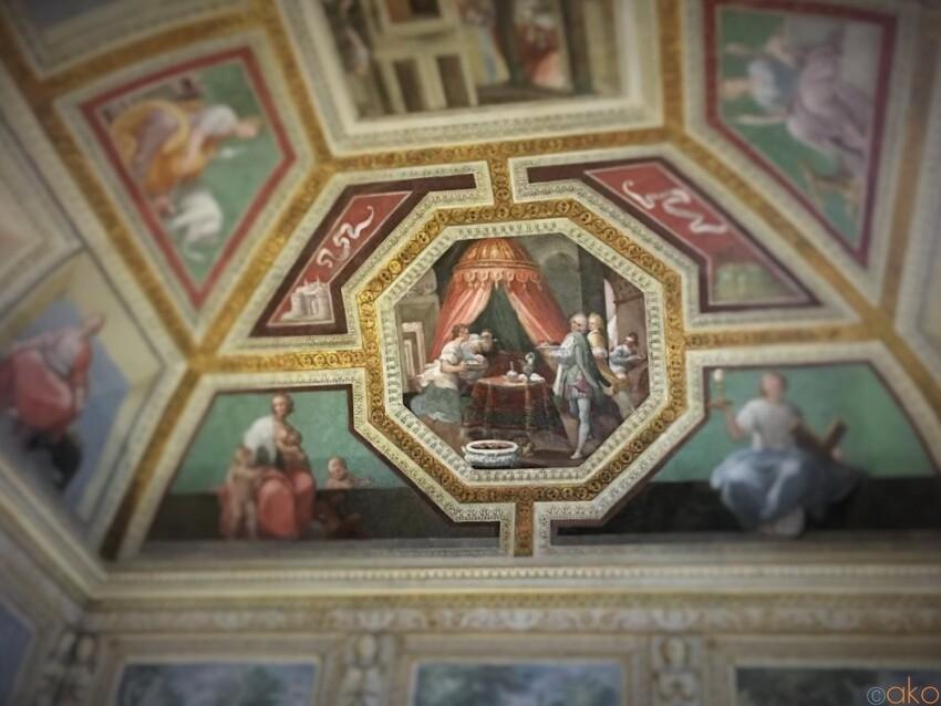 ナポリ、サンティッシマ・アンヌンツァータ・マッジョーレ聖堂|イタリア観光ガイド