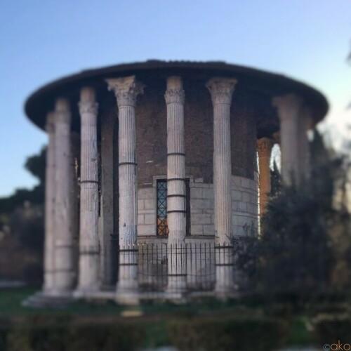 イタリア語名付き!ローマ、真実の口広場を詳しくご紹介します!|イタリア観光ガイド