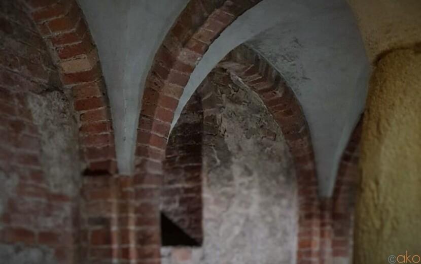 ミラノの地下遺跡に潜入!サン・ジョバンニ・イン・コンカ|イタリア観光ガイド