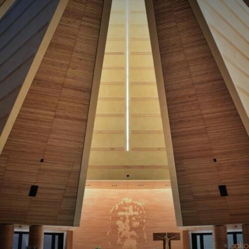 トリノで21世紀に初めてつくられた、サント・ヴォルト教会|イタリア観光ガイド