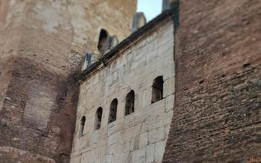 ローマを陰で支える名脇役。ティブルティーナ門|イタリア観光ガイド