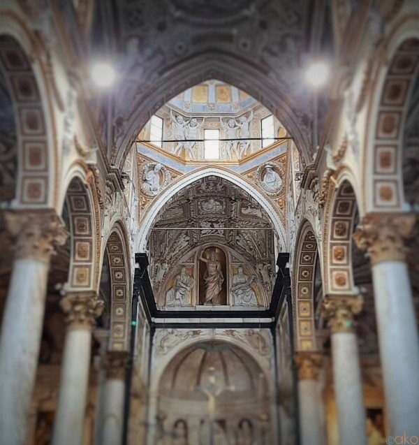 ドーリア家ゆかりの地。ジェノヴァ、サン・マッテオ教会|イタリア観光ガイド
