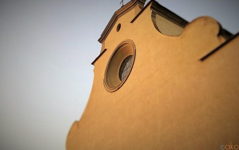 塗り壁みたいな外観にドキドキ!フィレンツェ、サント・スピリト聖堂|イタリア観光ガイド